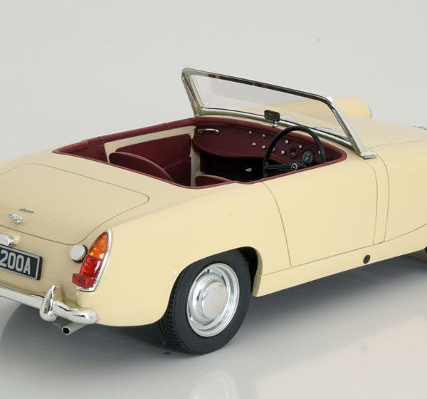 Austin Healey Sprite MK2 Roadster 1961 Creme 1-18 Cult Scale Models