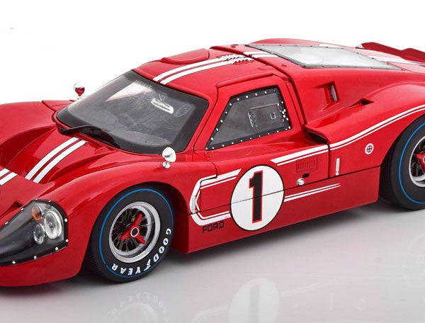 Ford GT 40 MK IV 1967 Nr# 1 Rood 1-18 Shelby Collectibles