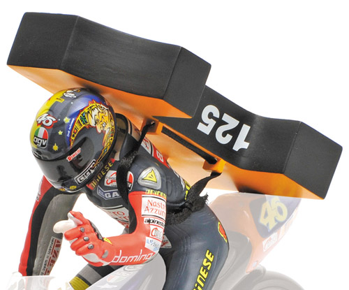 Figuur Valentino Rossi 1st World Championship GP125 Brmo 1997 1:12 Minichamps Limited 1999 pcs.