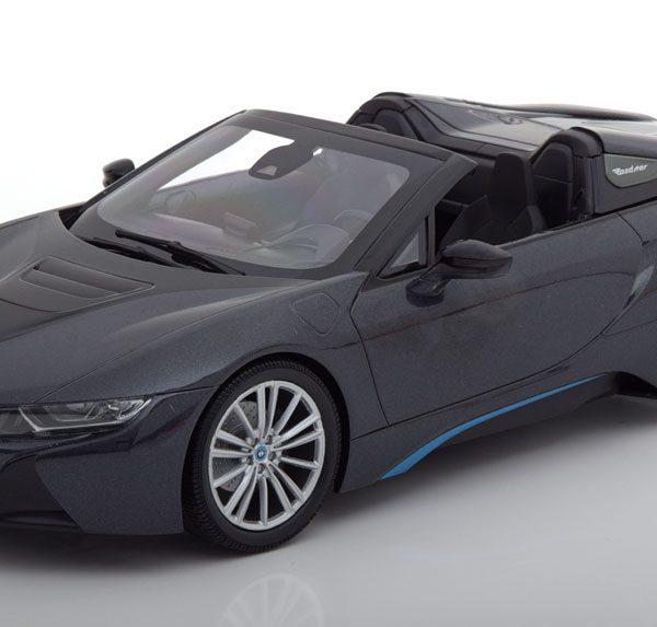 BMW i8 Roadster 2018 Grijs metallic 1:18 Minichmaps Limited 504 pcs.