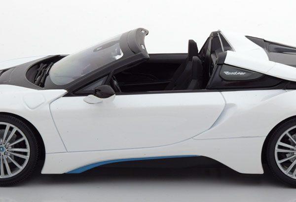 BMW i8 Roadster 2018 White Metallic 1:18 Minichmaps Limited 504 pcs.