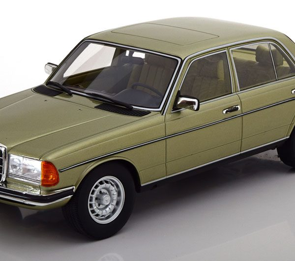 Mercedes-Benz 280E ( W123) Limousine 1976 Groen Metallic 1-18 Cult Scale Models Limited