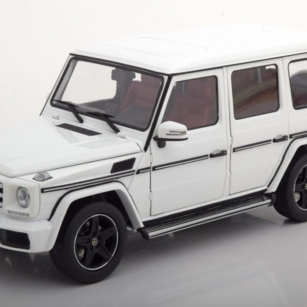Mercedes-Benz G-Klasse W463 2015 Wit 1-18 I-Scale Limited 499 Pieces