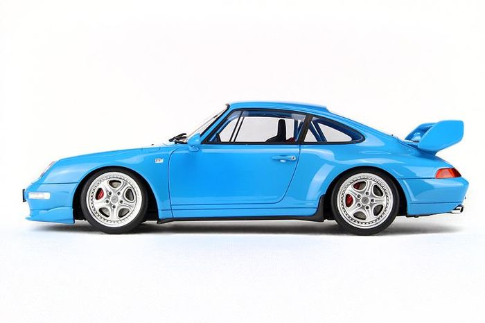 Porsche 911 Carrera RS Club Sport ( 993 ) 1995 Lichtblauw 1-18 GT Spirit Limited 1500 Pieces