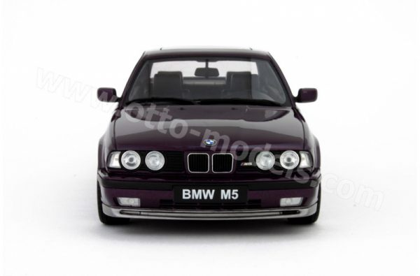 BMW E34 M5 Daytona Violet 1-18 Ottomobile Limited 3000 Pieces