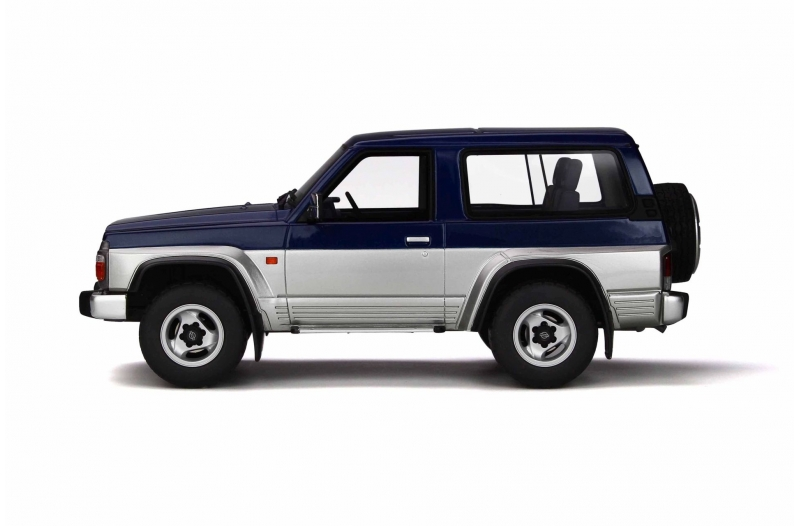 Nissan Patrol GR 1992 Blauw / Zilver 1-18 Ottomobile Limited 1500 Pieces
