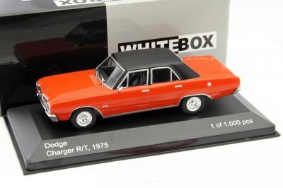 Dodge Charger R/T 1975 Oranje / Zwart 1-43 Whitebox Limited 1000 Pieces