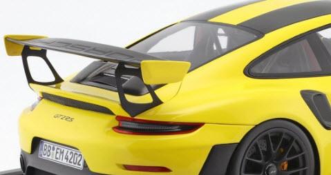 Porsche 911 (991 II) GT2 RS Coupe 2017 met kunststof vitrine 1:12 Geel/Zwart Spark Limited 100 pcs.