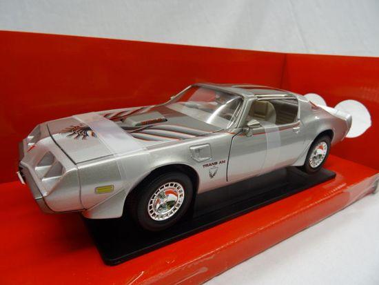 Pontiac Firebird Trans Am 1979 Zilver 1-18 Lucky Diecast