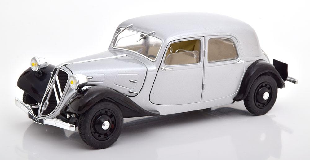 Citroen Traction 11CV 1937 Zilver/Zwart 1:18 Solido