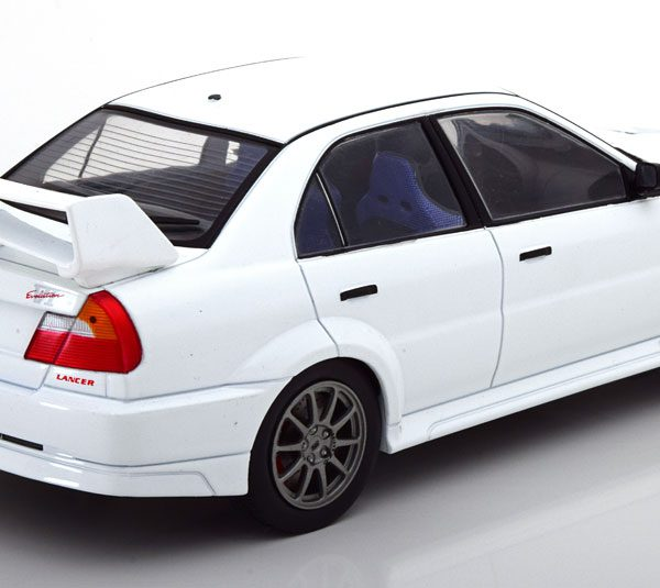 Mitsubishi Lancer RS Evolution VI Wit 1-18 Ixo Models