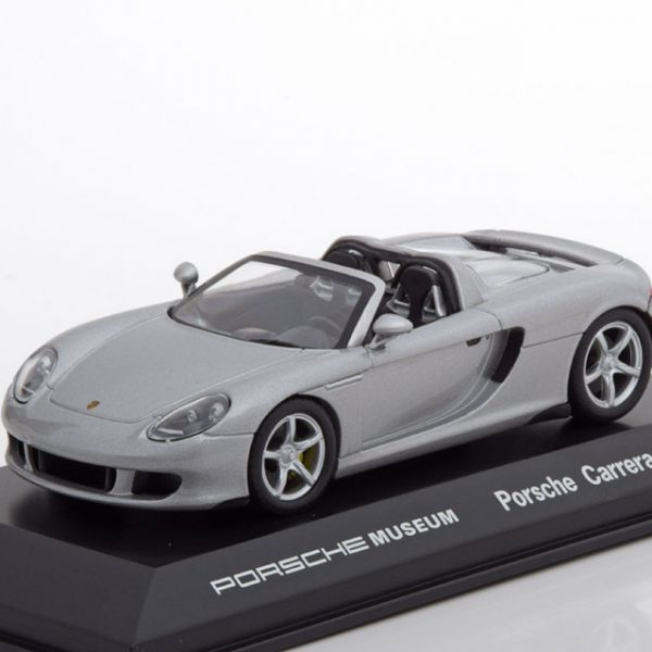 Porsche Carrera GT 2003 Zilver 1-43 Welly GT