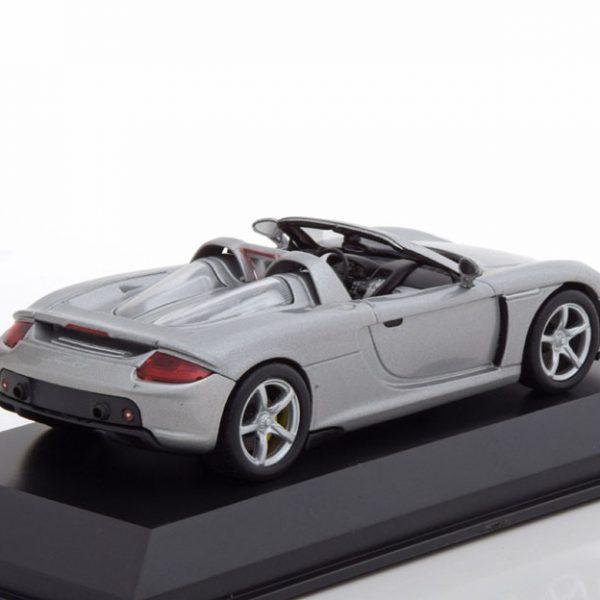Porsche Carrera GT 2003 Zilver 1-43 Welly GT