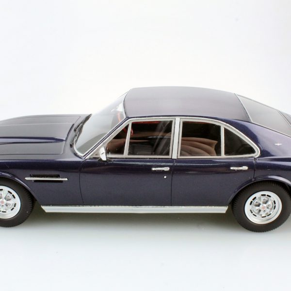 Aston Martin Lagonda 1974 Saloon Blauw 1-18 LS Collectibles Limited 250 Pieces