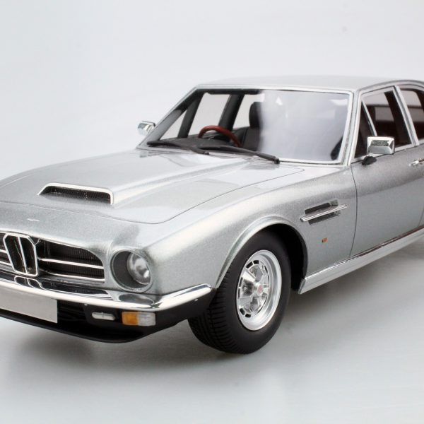 Aston Martin Lagonda 1974 Saloon Zilver 1-18 LS Collectibles Limited 250 Pieces