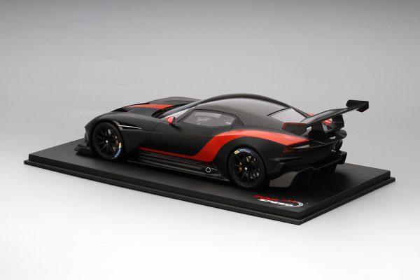 Aston Martin Vulcan Matzwart / Rode Streep 1-18 Top Speed