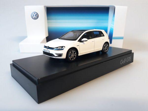 Volkswagen Golf VII GTE 2015 Wit 1-43 Spark