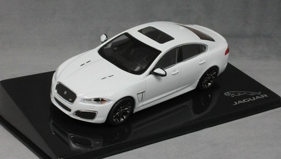 Jaguar XFR 2010 Polaris White 1:43 Ixo Models