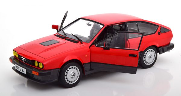 Alfa Romeo GTV 6 1984 Rood 1-18 Solido