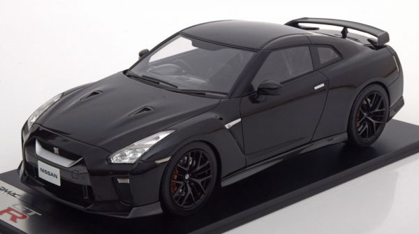 Nissan GT-R R35 2017 Zwart Metallic 1-18 Tarmac Works Limited 252 Pieces