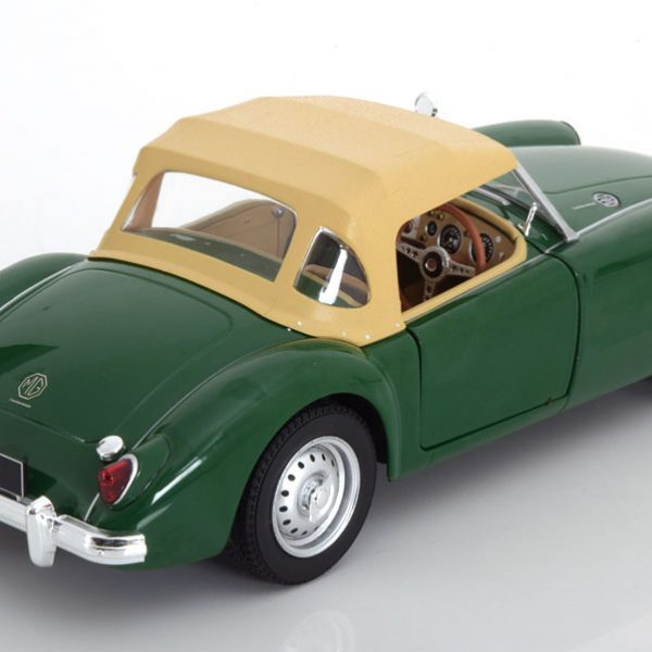 MG A MK1 met Softtop 1959 Groen 1-18 Triple 9 Collection