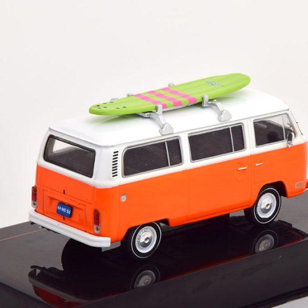 Volkswagen T2 Kombi 1975 met Surfplank 1-43 Ixo Models