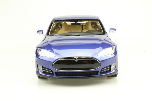 Tesla Model S 2012 Blauw Metallic 1-18 LS Collectibles Limited 250 Pieces