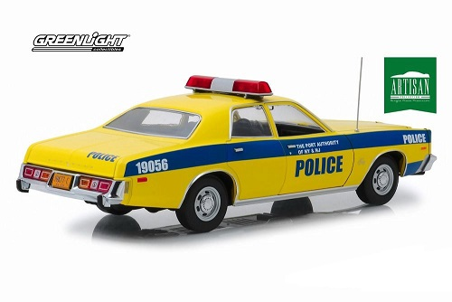 Plymouth Fury 1977 Port Authority of New York & New Jersey Police 1-18 Greenlight Collectibles
