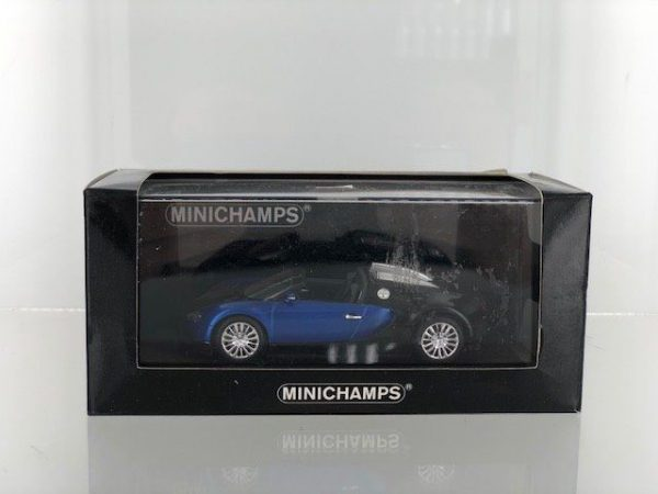 Bugatti Veyron Grand Sport 2010 Blauw Metallic/Zwart Metallic 1-43 Minichamps Limited 1008 Pieces