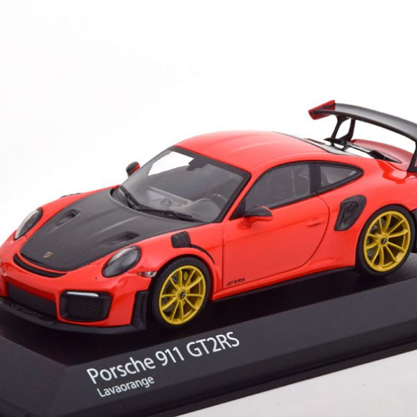 Porsche 911 (991 II) GT2RS 2018 Rood/Zwart 1-43 Minichamps Limited 300 Pieces