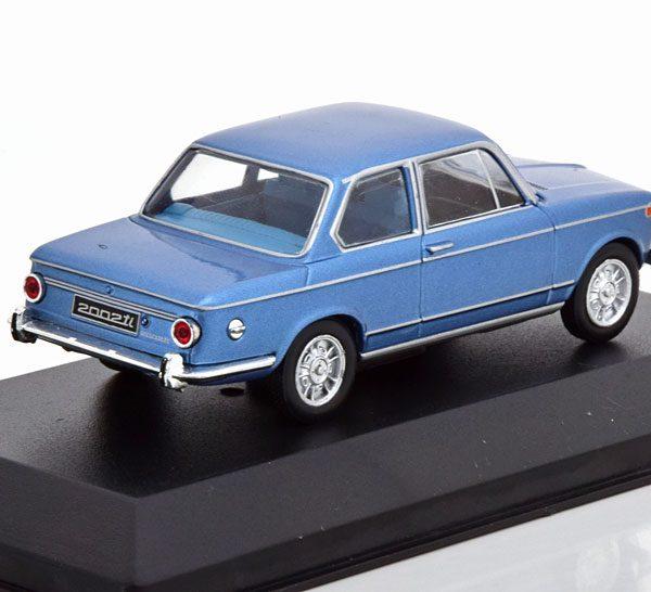 BMW 2002 ti 1968 Blauw Metallic 1-43 Whitebox Limited 1000 Pieces