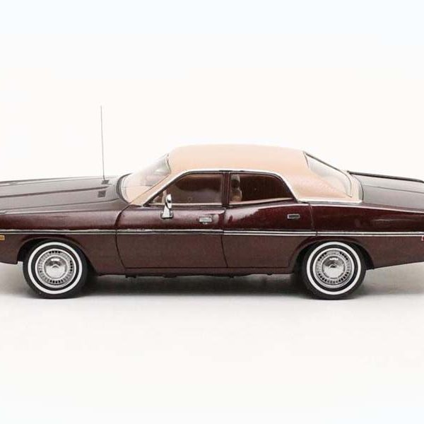 Dodge Coronet 4 deurs 1973 Bruin Metallic 1:43 Matrix Scale Models Limited 408 pcs.