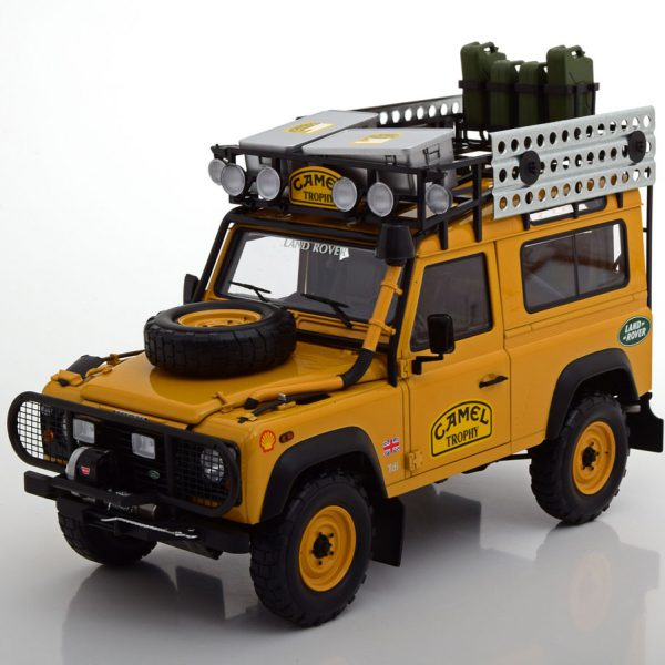 Land Rover Defender 90 Camel Trophy Edition Bruin 1-18 Almost Real