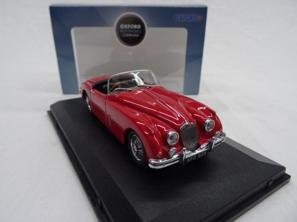 Jaguar XK150 Roadster Carmen Rood 1-43 Oxford