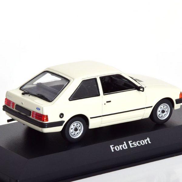 Ford Escort 1981 Witgrijs 1-43 Maxichamps