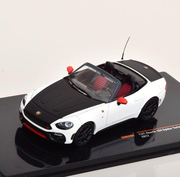 Fiat Abarth 124 Spider Turismo 2017 Wit / Zwart 1-43 Ixo Models