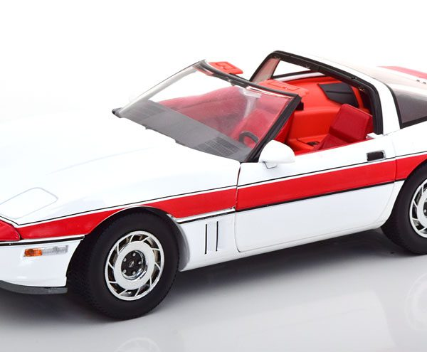 """Chevrolet Corvette 1984 """" A-Team"""" Wit / Rood 1-18 Greenlight Collectibles"""