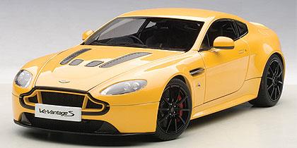 Aston Martin V12 Vantage S 2015 Geel 1-18 Autoart