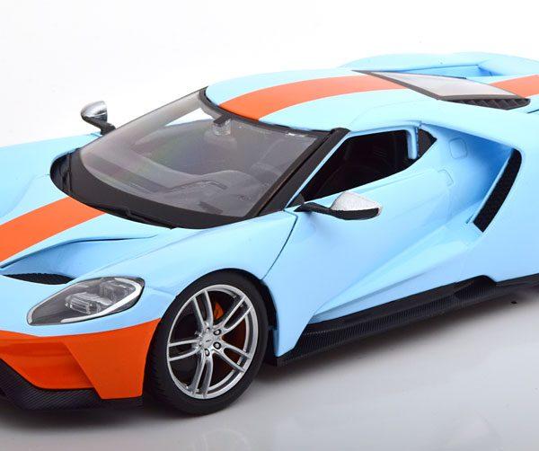 """Ford GT 2017 """"Gulf"""" 1-18 Lichtblauw Maisto"""