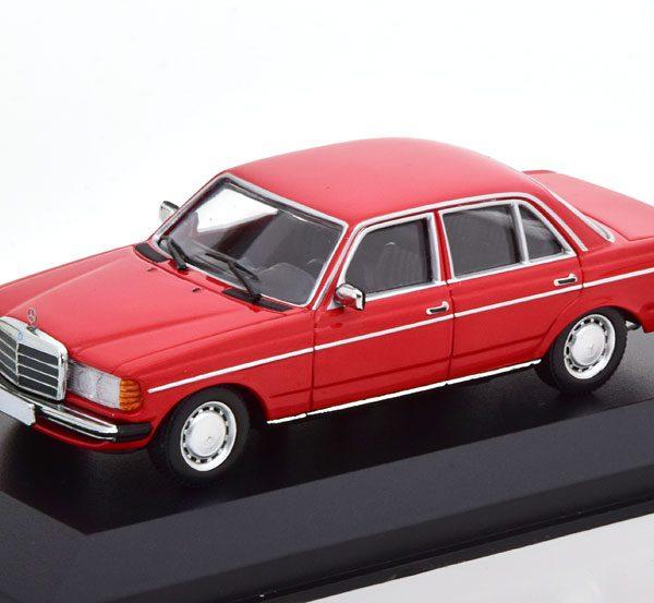 Mercedes-Benz 230E ( W123) Limousine 1982 Rood 1-43 Maxichamps