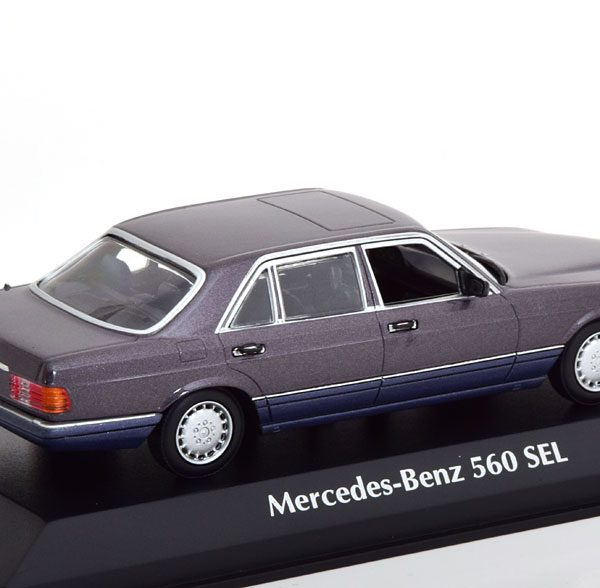 Mercedes-Benz 560 SEL ( W126 ) 1990 Paars Metallic 1-43 Maxichamps