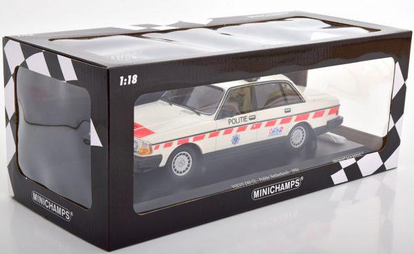 Volvo 240 GL 1986 Politie Netherlands 1-18 Minichamps Limited 300 Pieces