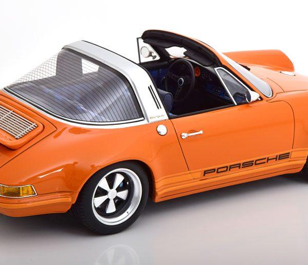 Porsche 911 (964) Targa Singer 1990 Oranje / Zwart 1-18 Cult Scale Models ( Resin )