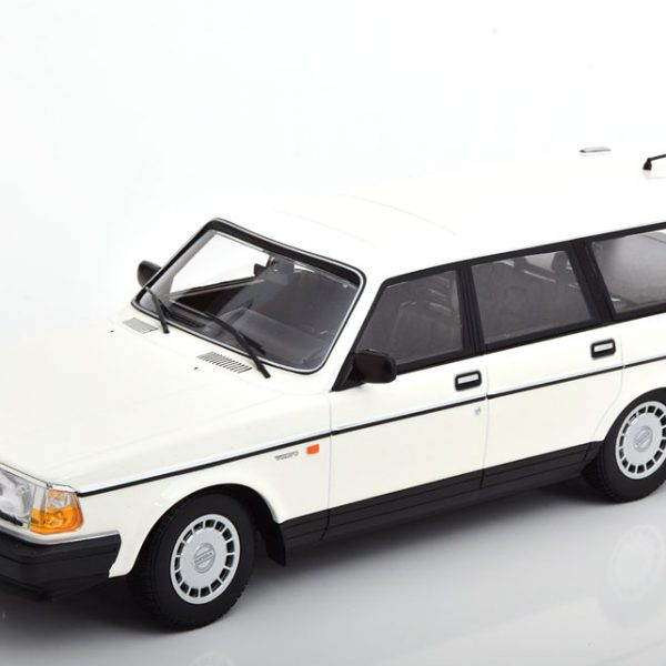 Volvo 240 GL Break 1986 Wit 1-18 Minichamps Limited 504 Pieces