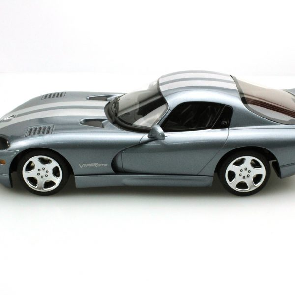 Dodge Viper 2000 GTS Metallic Greyblue / Silver Stripes 1-18 LS Collectibles Limited 250 Pieces