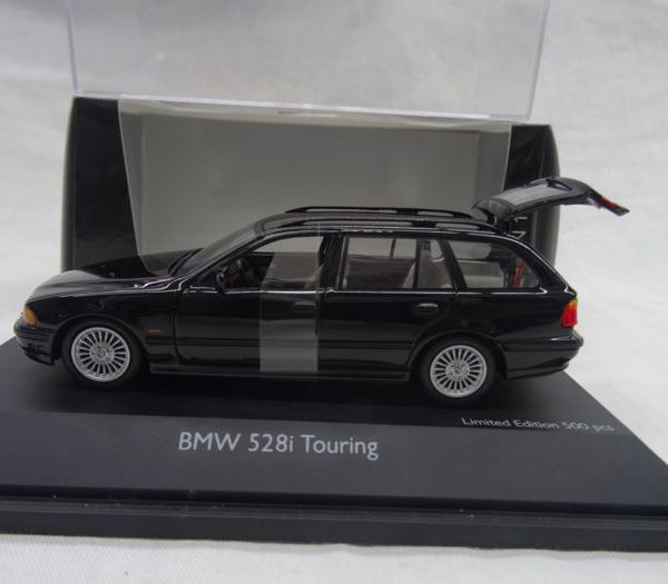 BMW 528i Touring 1:43 Zwart Schuco Limited 500 pcs.