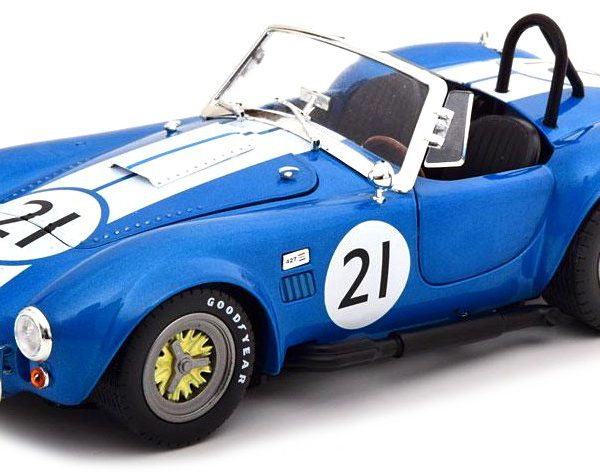 Shelby Cobra 427 S/C #21 Semi Competition Racing 1965 1:18 BLauw CMR Models