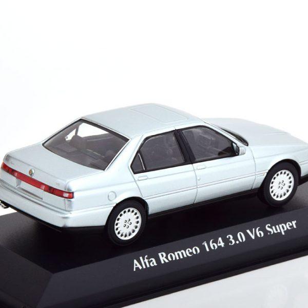 Alfa Romeo 164 3.0 V6 Super 1992 Zilver Metallic 1-43 Maxichamps