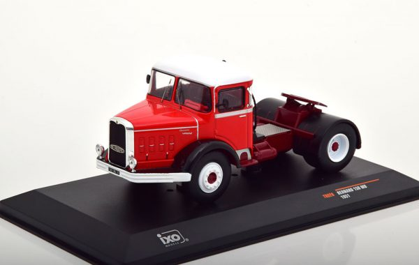 Bernard 150 MB 1951 Rood / Wit 1-43 Ixo Models