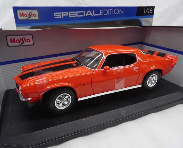 Chevrolet Camaro 1971 Oranje 1-18 Maisto